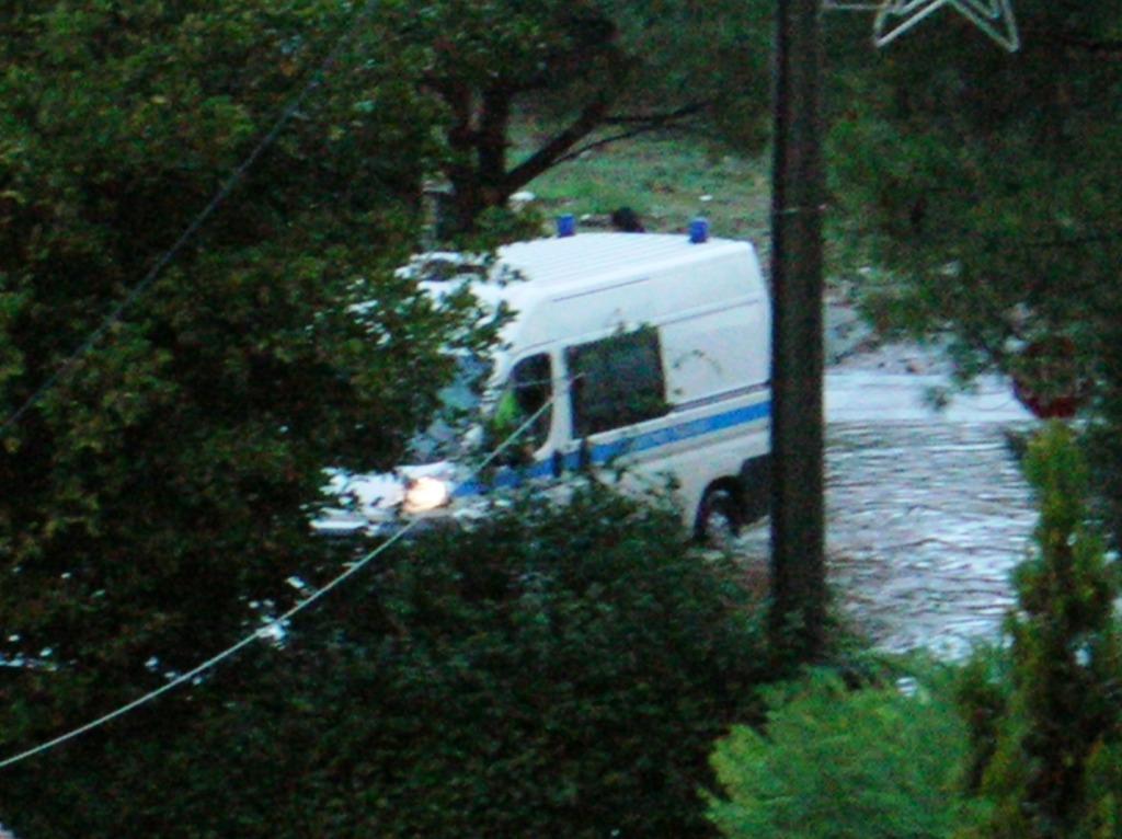 μετα τη βροχη 30-11-12 λεωφορος σταματας 010
