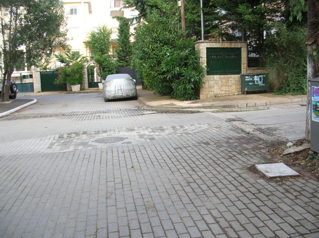 ΠΛΑΤΕΙΑ ΚΟΡΟΛΗ ΤΡΑΠΕΖΟΥΝΤΟΣ ΔΡΟΣΙΑ 13-6-2013